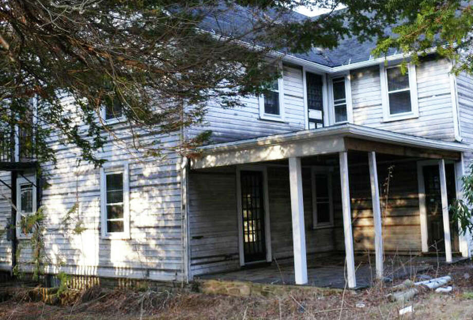 A revised plan to build seven homes on the site of the former Tuller School has been rejected by the Town Plan and Zoning Commission.   FAIRFIELD CITIZEN, CT 8/27/13 Photo: Genevieve Reilly / Fairfield Citizen