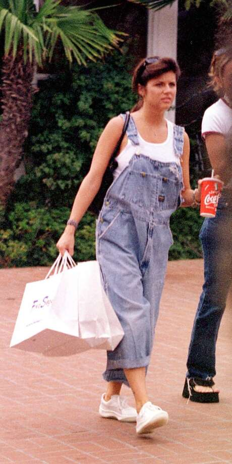 "Former ""Beverly Hills, 90210,"" beauty Tiffany Amber Thiessen shops in overalls, a '90s staple. Photo: Keith Butler, Getty Images"