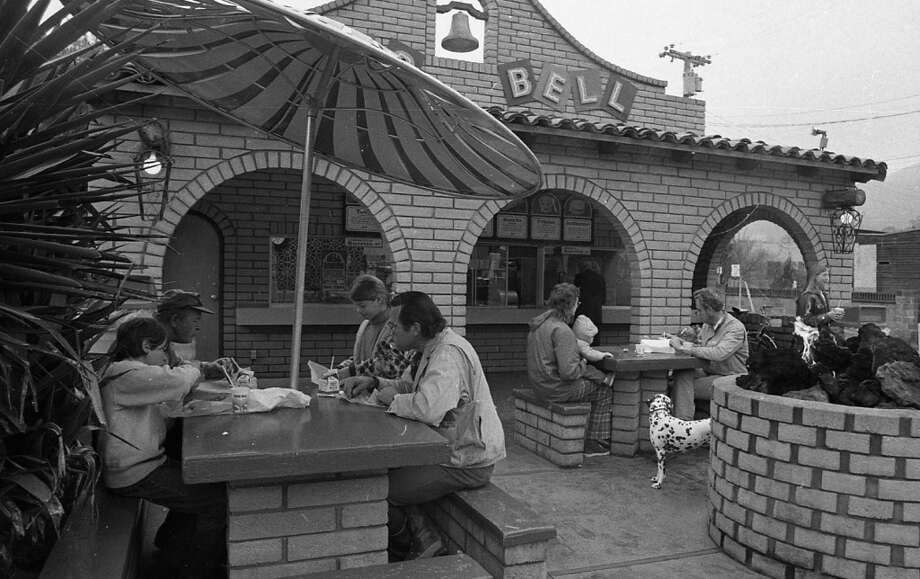The front of the Taco Bell in San Anselmo in 1973. The fire pits and roof bells are long gone, but the structures were built to last. Let's see what happened to the Taco Bells of the Bay Area ... Photo: Stephanie Maze, The Chronicle