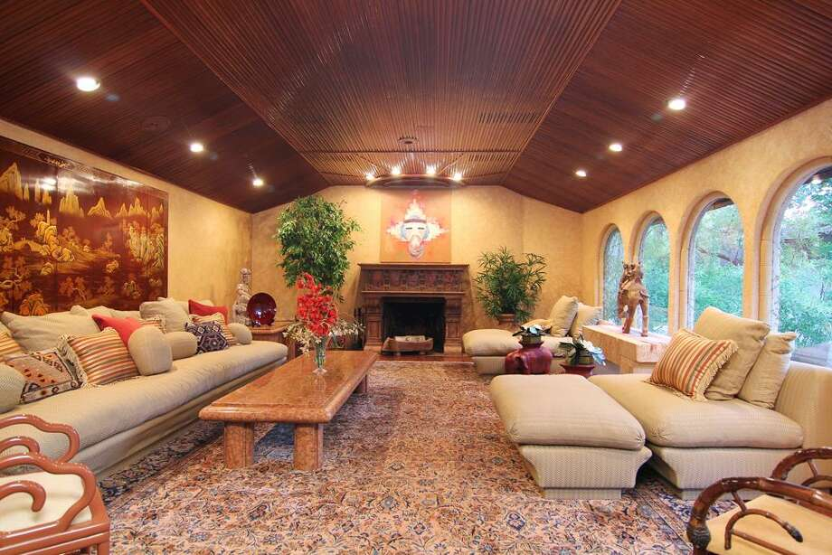 Listing agent: Kelly McDonaldSee the listing here.