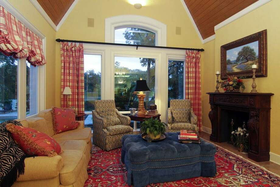 Listing agent: Cindy BurnsSee the listing here. Photo: HAR