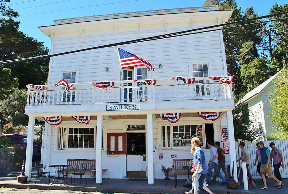 Smiley's Schooner Saloon in Bolinas turned its storefront into a barber shop during Prohibition. Photo: Stephanie Wright Hession, Special To The Chronicle