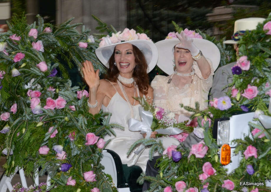 Susan Lucci (front) and Marylou Whitney enjoying themselves at this revised event. (Ed Sindoni) Photo: Picasa