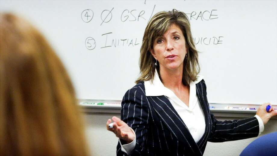 Siegler and McClary revisit cold cases in small towns on `Cold Justice.' Photo: TNT / handout