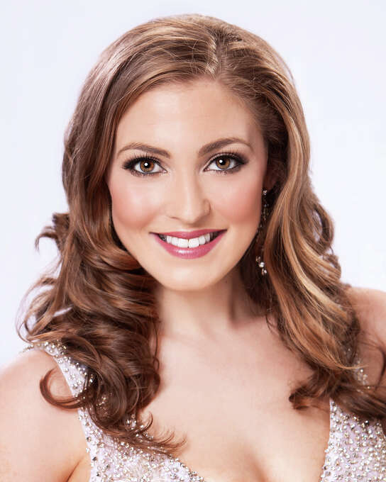 Miss Vermont: Jeanelle Achee, 22Hometown: RochesterEducation: