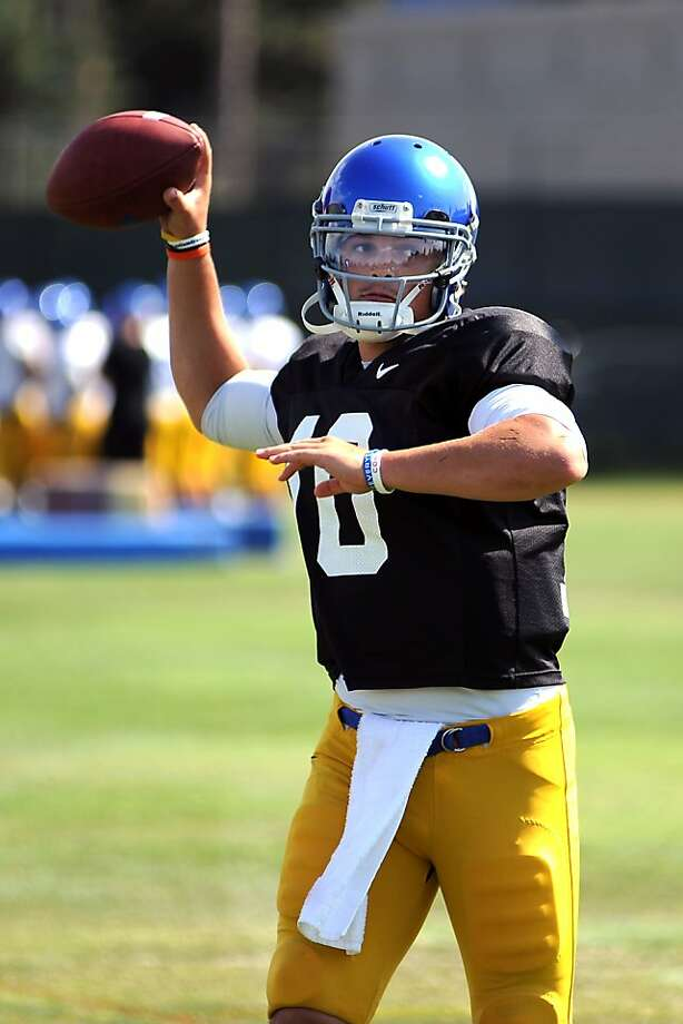 San Jose State's David Fales threw for 4,193 yards and 33 touchdowns last season. Photo: Michael Short, Special To The Chronicle