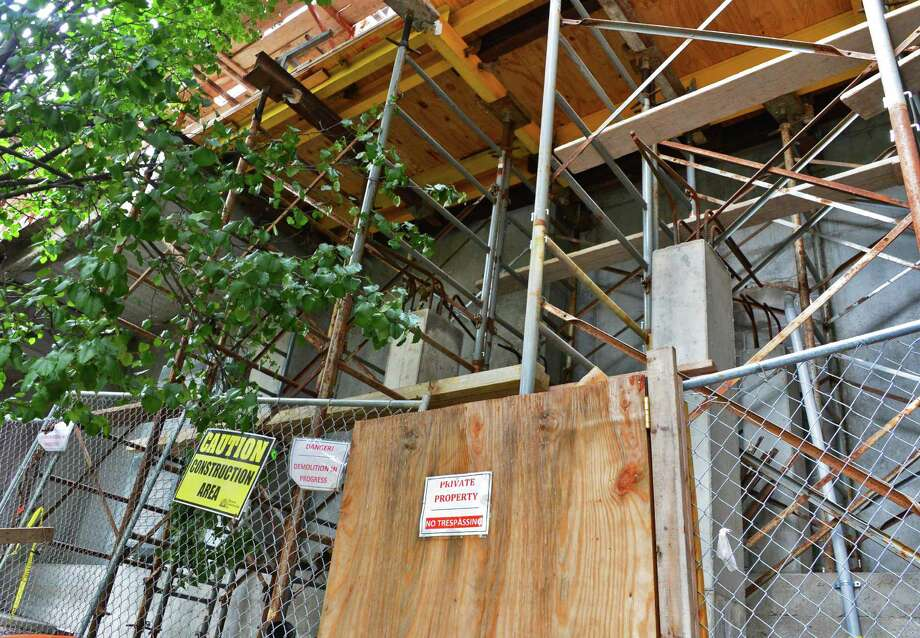 Construction scaffolding behind 422 Broadway Tuesday Sept. 3, 2013, in Saratoga Springs, N.Y.  (John Carl D'Annibale / Times Union) Photo: John Carl D'Annibale / 00023736A