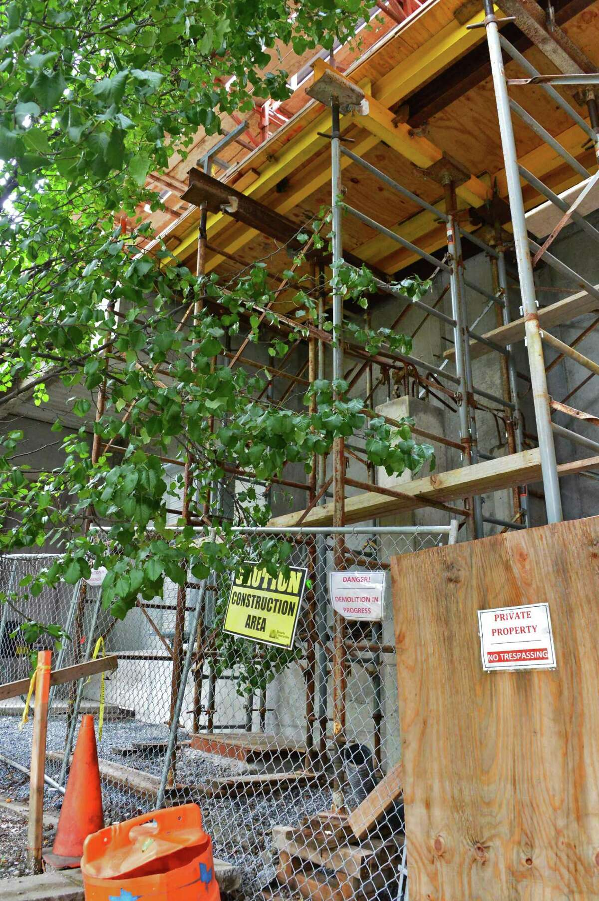 Construction scaffolding behind 422 Broadway Tuesday Sept. 3, 2013, in Saratoga Springs, N.Y. (John Carl D'Annibale / Times Union)