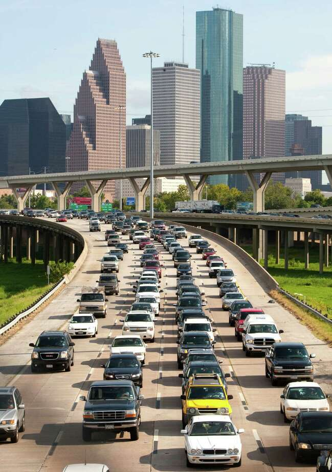 Traffic moves slowly out of Downtown on Interstate 45 in 2010. The stretch of I-45 north of Downtown to the North Loop is the fourth congested in the city. Photo: Brett Coomer, HC Staff / Houston Chronicle