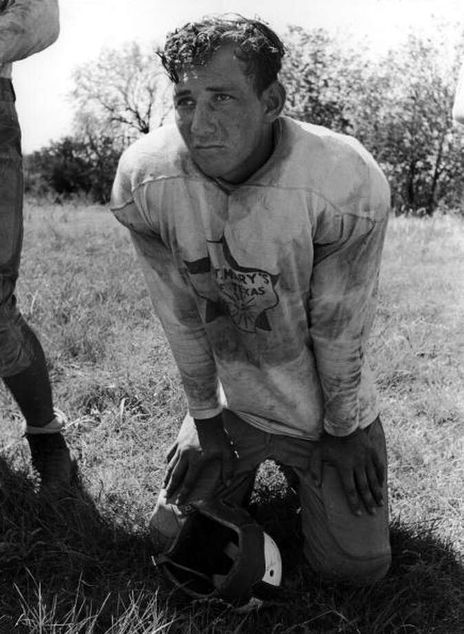 Star halfback Henry Tutor playing for Saint Mary's University footbal team in exchange for his college education in the 1930s.  (Photo by Alfred Eisenstaedt/Time & Life Pictures/Getty Images) Photo: Alfred Eisenstaedt, Time & Life Pictures/Getty Image / Time & Life Pictures/Getty Images