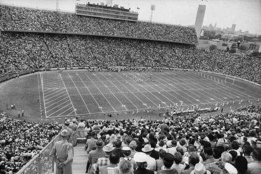 Circa 1950s - Texas vs Oklahoma game in the Cotton Bowl.  (Photo by Joseph Scherschel//Time Life Pictures/Getty Images) Photo: Joseph Scherschel, Time & Life Pictures/Getty Image / Time Life Pictures