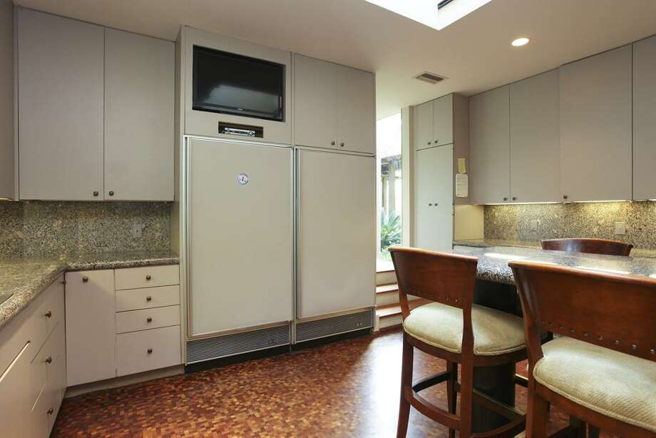 Listing agent: Hedley Karpas