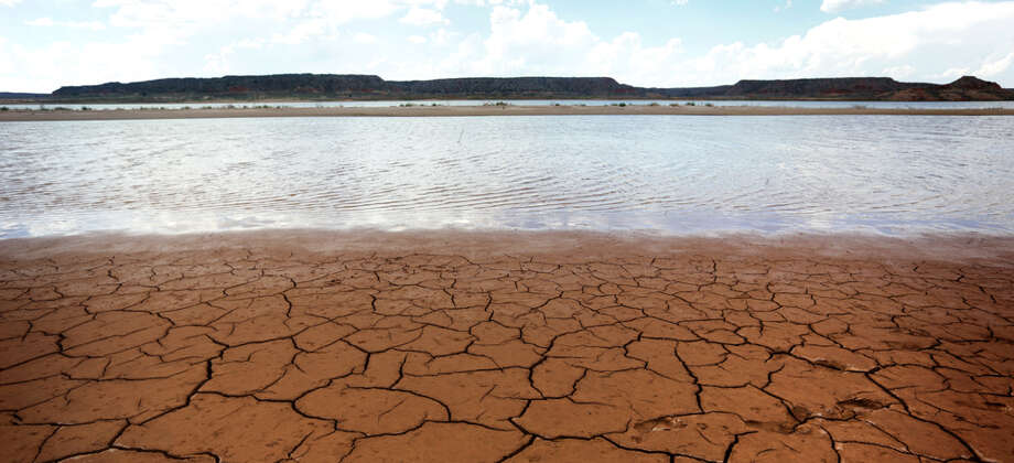 """Today, about 20 percent of Texas is in a """"severe"""" or worse drought, and 47 percent is in at least a """"moderate"""" drought, according to the U.S. Drought Monitor. And a recent report by weather.com included two Texas cities in its top 10 list of major U.S. cities that could run out of water.  Photo: Bob Owen / © 2012 San Antonio Express-News"""