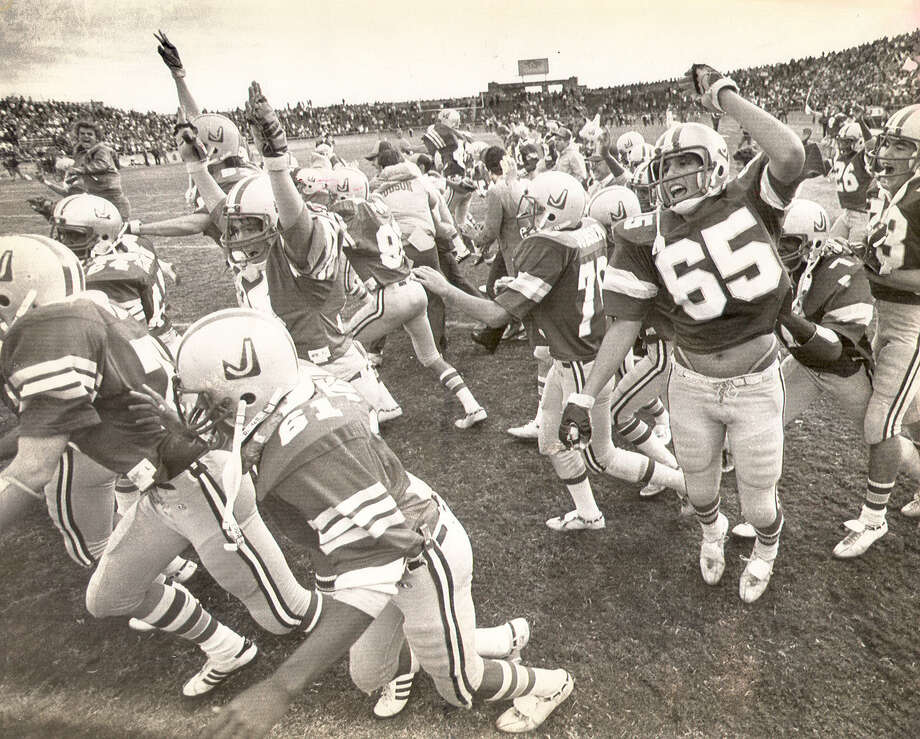 Judson claimed the 1982 city championship with a win over Churchill in front of more than 21,000 fans at sold-out Alamo Stadium. (Express-News file photo)