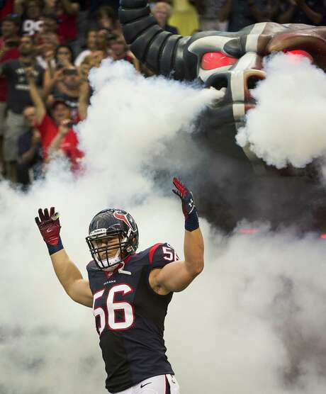 """Texans linebacker Brian Cushing, despite suffering a torn ACL last season, was given a six-year, $55.6 million contract extension. """"I'm a Texan now,"""" he said. """"I consider Houston my home."""" Photo: Smiley N. Pool / Houston Chronicle"""