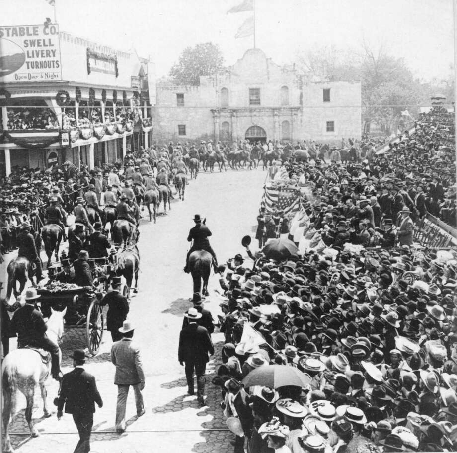President Theodore Roosevelt riding through Alamo Plaza on April 1, 1905. Photo: PhotoQuest, Getty Images / NARA