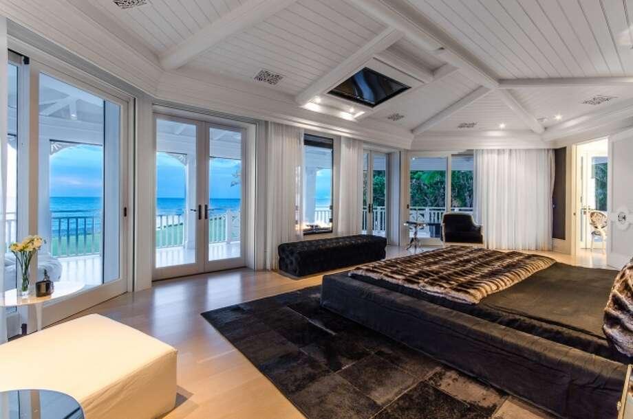 Room with an aquatic view. All photos via Joseph Montanaro/Sotheby's Quebec