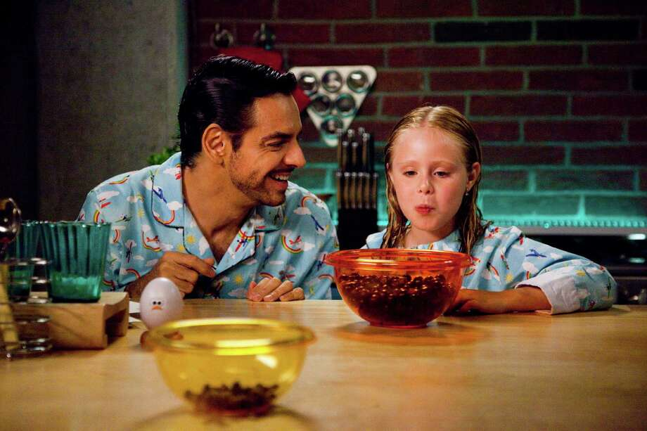 EUGENIO DERBEZ as VALENTIN and LORETO PERALTA as MAGGIE in Instructions Not Included. Photo credit: Copyright Pantelion Films 2013 Photo: Marcia Perskie / Marcia Perskie