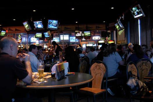 Buffalo Wild Wings, San Antonio - 5411 W Loop 1604 N ...