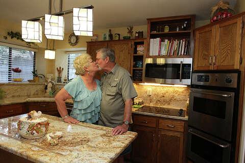 Cook Sings Kitchen S Praises San Antonio Express News