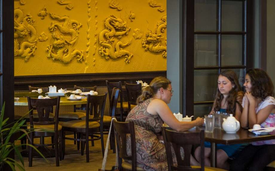 Diners enjoy dinner at China Village in Albany. Photo: John Storey, Special To The Chronicle