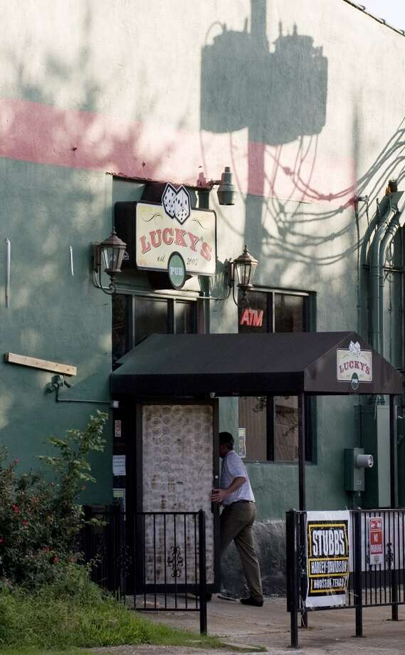 An outside view of Lucky's Pub on the east side of downtown. Photo: James Nielsen, Chronicle