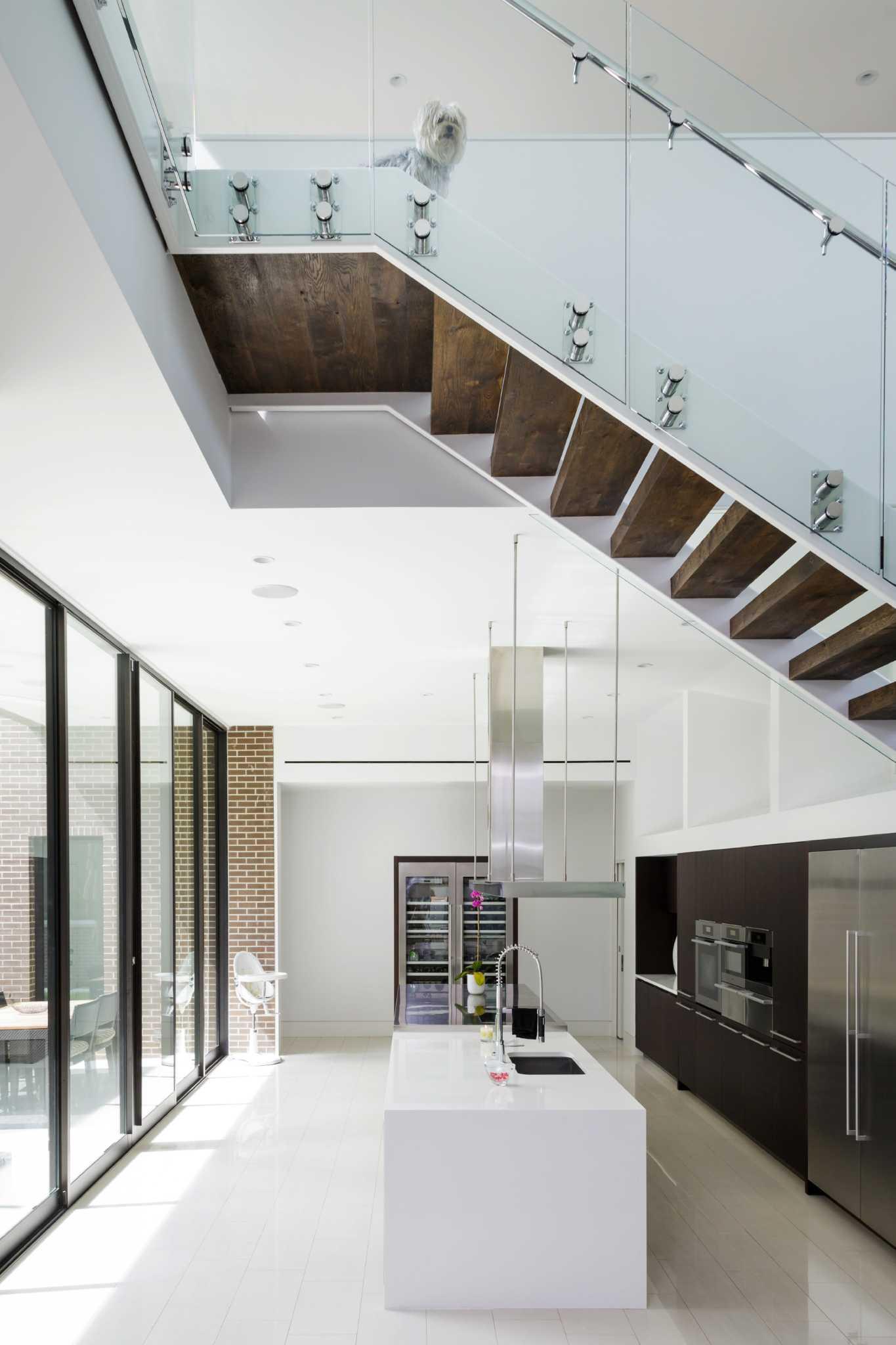 A Southampton Home Stars Modern Design And Killer Bathroom