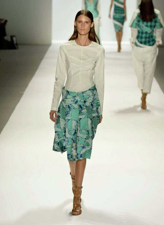 NEW YORK, NY - SEPTEMBER 05:  A model walks the runway during Richard Chai Spring 2014 fashion show at Mercedes-Benz Fashion Week Spring 2014 - Official Coverage - Best Of Runway Day 1 on September 5, 2013 in New York City. Photo: Frazer Harrison, Getty Images For Mercedes-Benz / 2013 Getty Images