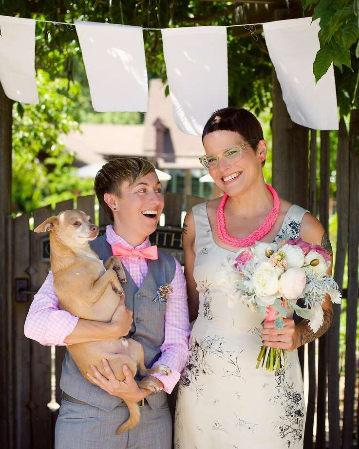 Lisa Congdon and Clay Walsh were married June 1, 2013, at Mill Valley's Outdoor Art Club. Photo: Bonnie Tsang