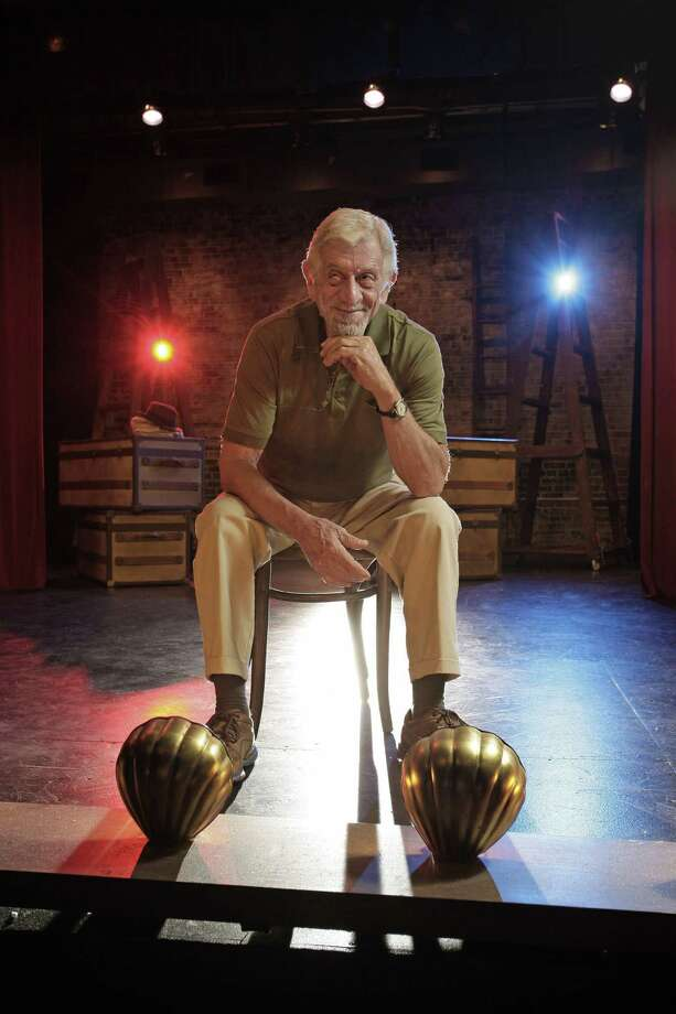 Jerry Russell, founder of the Stage West Theatre in Fort Worth, dies at age 77 after enduring a difficult struggle following abdominal surgery. Photo: Paul Moseley / Associated Press