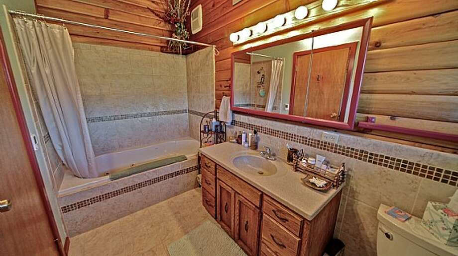 Main house bathroom of Venture Farms, 1850 Venture Road, in Ellensburg. It is scheduled to go up for auction on Sept. 12. Photo: J.P. King Auction Co.