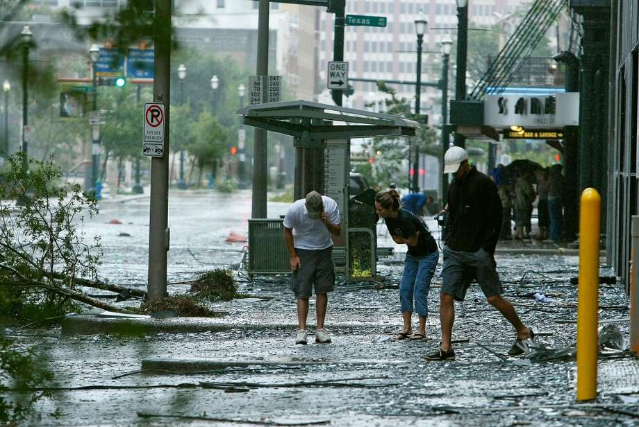 September 13, 2008 – Hurricane Ike hits Texas as a Category 2 storm. Twenty-foot storm surges batter the coast. Eighty-four people are killed, 2.6 million people are left without power and $19.3 billion in damages are incurred. Photo: Mark Wilson, Getty Images