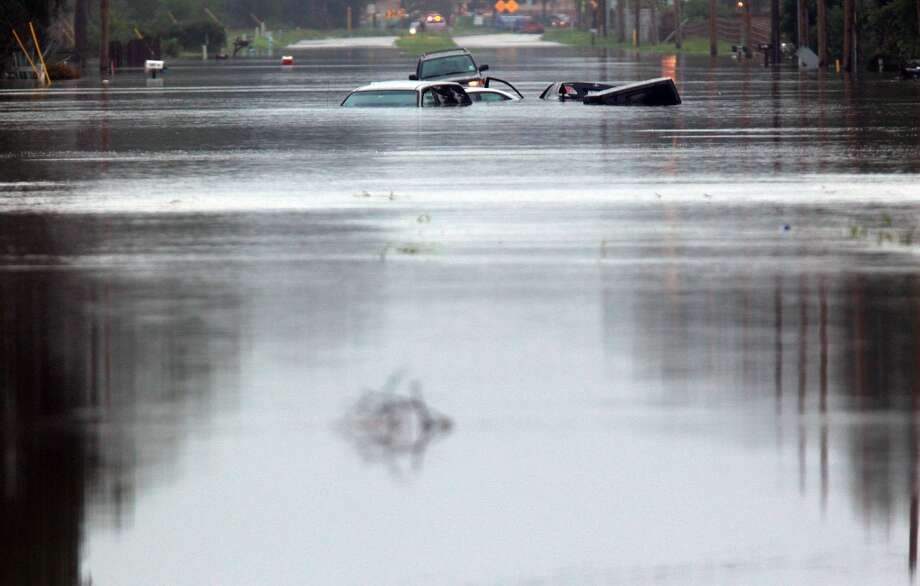 October 1994 – Hurricane Rosa stormed through Texas – this time from the  Pacific, up through Mexico. Massive flooding was reported across the state. Twenty-two in the storms path were killed. Texas was left with $700 million in damages. Photo: Houston Chronicle File Photo