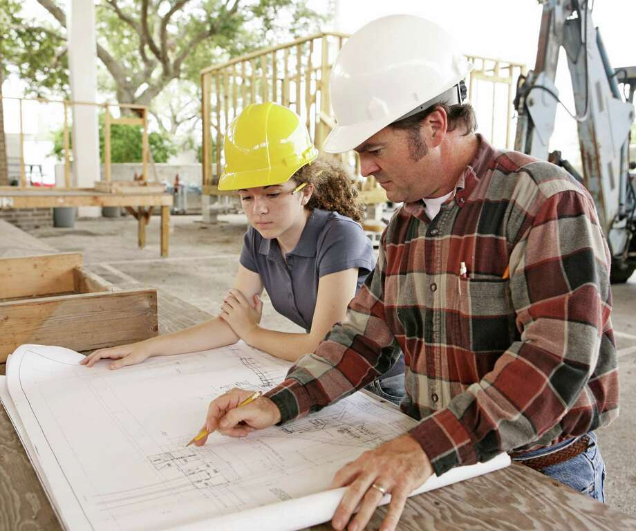 The ideal project engineer has worked in a variety of platforms and learned other engineering disciplines beyond the one listed on his or her college diploma. / iStockphoto