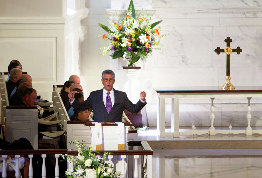 Paul Schiffer speaks words of remembrance during District Attorney Mike Anderson's funeral service at the First Presbyterian Church, Friday, Sept. 6, 2013, in Houston. Anderson died after a battle with cancer. Photo: Cody Duty, Houston Chronicle / © 2013 Houston Chronicle