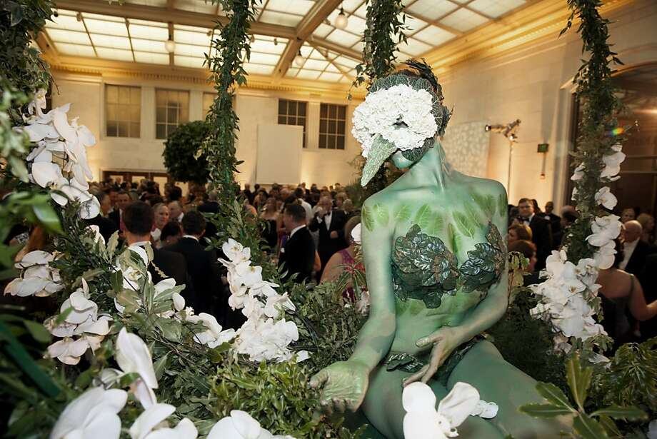 A live performer entertains guests at the 91st San Francisco Season Opening Opera Gala at City Hall on Friday, Sept. 6, 2013. The decor designed by Colin Cowie was themed 'The Garden of Good and Evil'. Photo: Alex Washburn, Special To The Chronicle