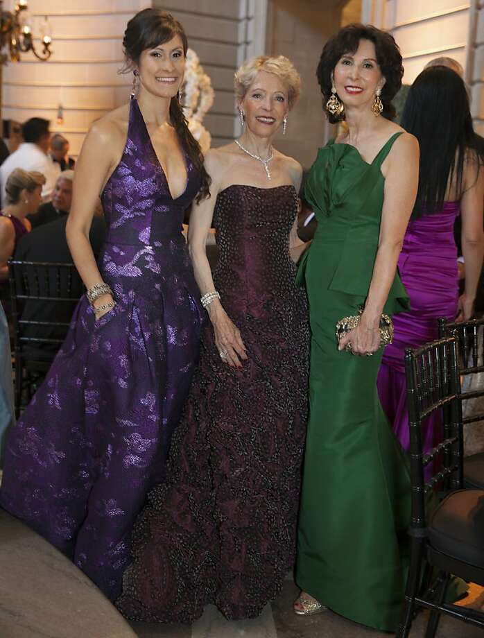Samantha DuVall (left) in Azadeh stands with Barbara Brookins-Schneider (center) and her mother Carolyn Chandler (in Oscar de la Renta) at the 91st San Francisco Season-Opening Opera Gala in San Francisco Calif. on Friday, Sept. 6, 2013. Photo: Alex Washburn, Special To The Chronicle