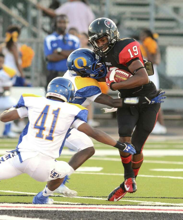 Ozen takes on Port Arthur Memorial Friday night at Memorial Stadium in Port Arthur.