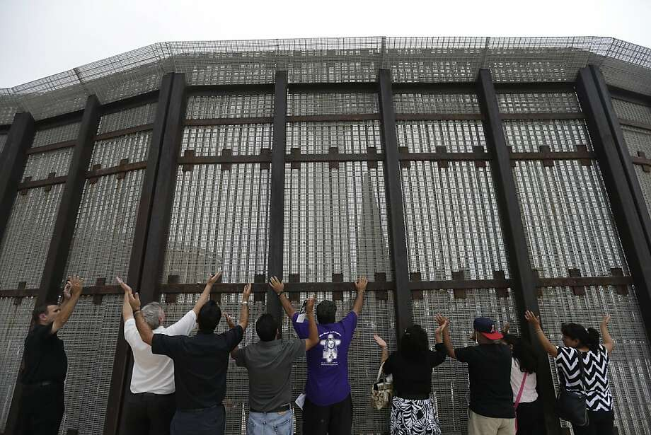 U S Mexico Border Mayors Urge Expedited Crossings Sfgate