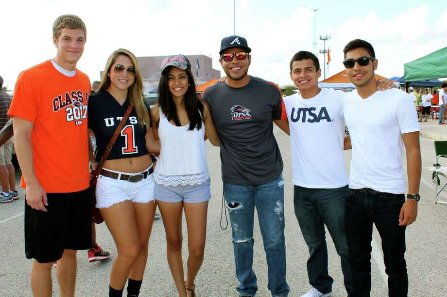 UTSA Tailgaters at the Oklahoma State Cowboys and UTSA Roadrunners game on Saturday, Sept. 7, 2013. Photo: Yvonne Zamora, MySA.com/ SA