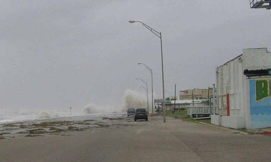 My friend Tommy and I drove to Galveston a few hours before the full force of Ike, took pictures and then drove back to Houston and took pictures during and after the storm. Photo: Steve Shapiro