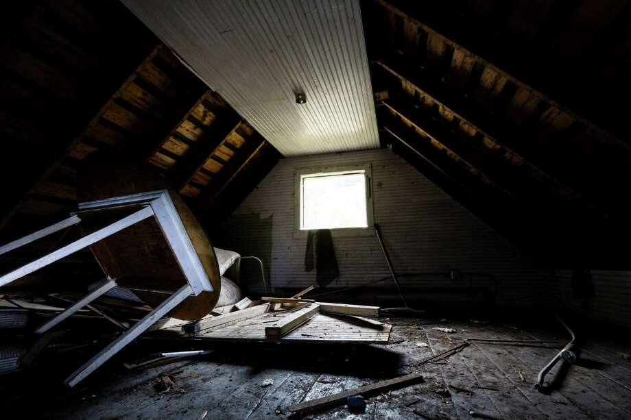 A view of the attic in a guard house in Washington's ghost town of Lester. Photo: JORDAN STEAD, SEATTLEPI.COM / SEATTLEPI.COM
