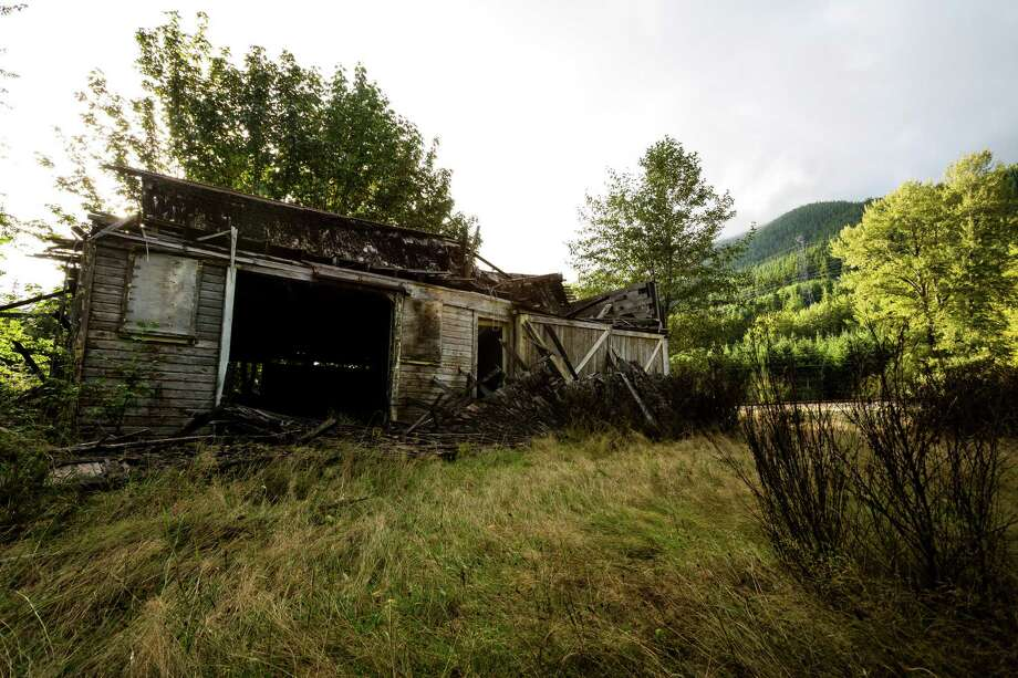 A view of the remnants of a warehouse in Washington's ghost town of Lester.. Photo: JORDAN STEAD, SEATTLEPI.COM / SEATTLEPI.COM