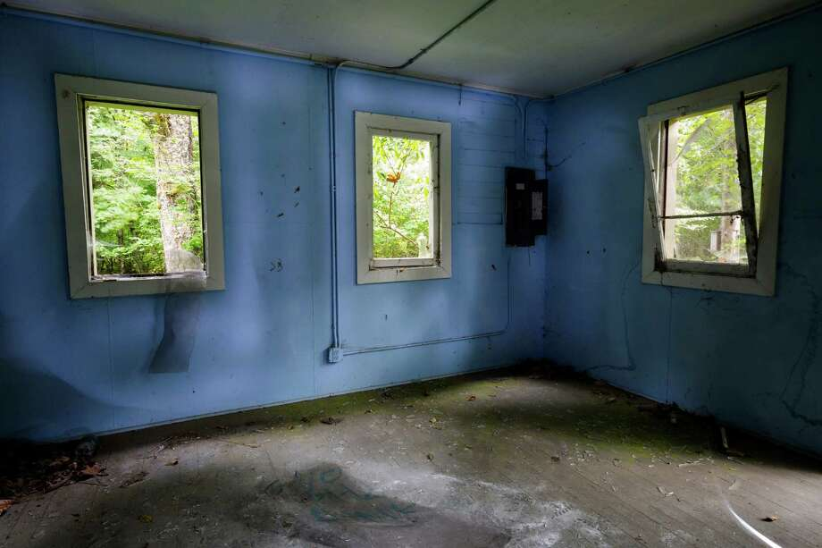 A view of the inside of one of two remaining houses in Washington's ghost town of Lester. Photo: JORDAN STEAD, SEATTLEPI.COM / SEATTLEPI.COM