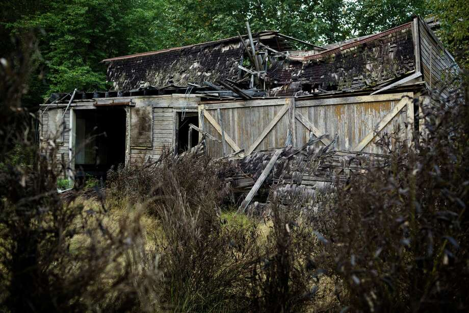 A view of the remnants of a warehouse in Washington's ghost town of Lester on Friday. Photo: JORDAN STEAD, SEATTLEPI.COM / SEATTLEPI.COM