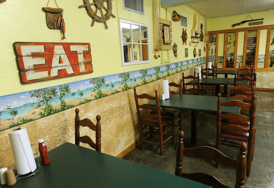 Dining room at the Sea Ranch Cafe in Port Neches. Photo taken Monday, August 26, 2013 Guiseppe Barranco/The Enterprise Photo: Guiseppe Barranco/The Enterprise
