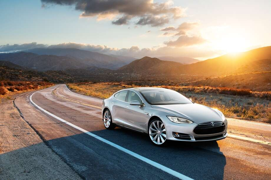 Consumer Reports tested 260 vehicles and chose their 10 top picks for 2014 based on test performance, reliability, and safety ratings. See which models earned a coveted spot on the annual list:Best Overall:2014 Tesla Model SSource: Consumer Reports