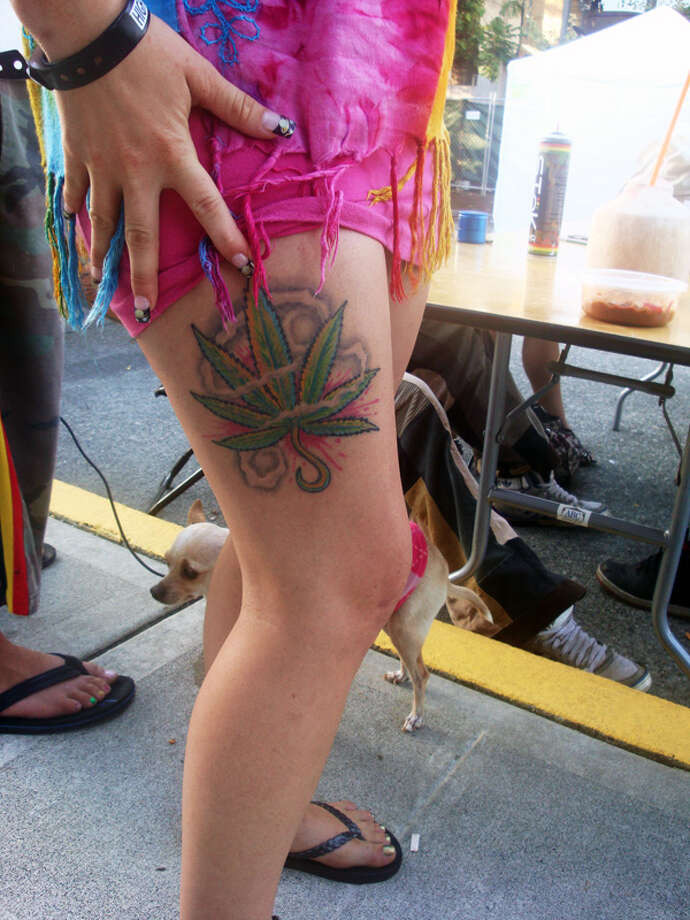 She liked the pot so much she had it tattooed on her leg.