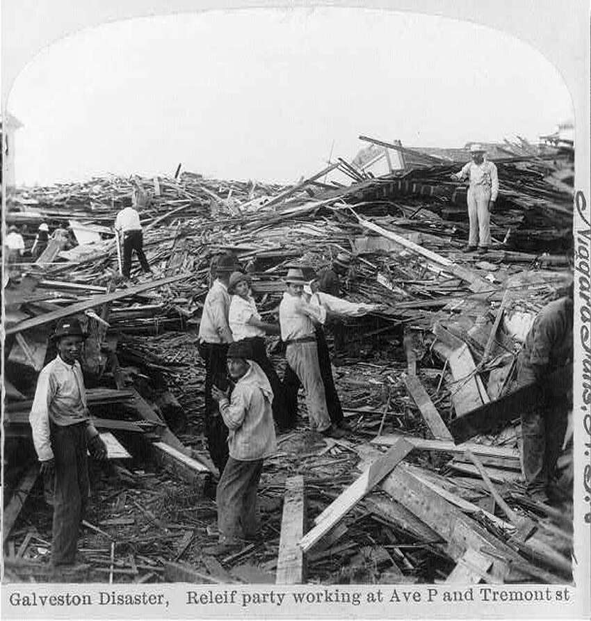 1900 Galveston hurricane The highest elevation in Galveston at the time was only 8.7 feet above sea level. This storm brought with it a storm surge of more than 15 feet. Evacuation efforts were hampered when rising water washed away train tracks. Twenty percent of the island's population was killed, or an estimated 8,000 people.