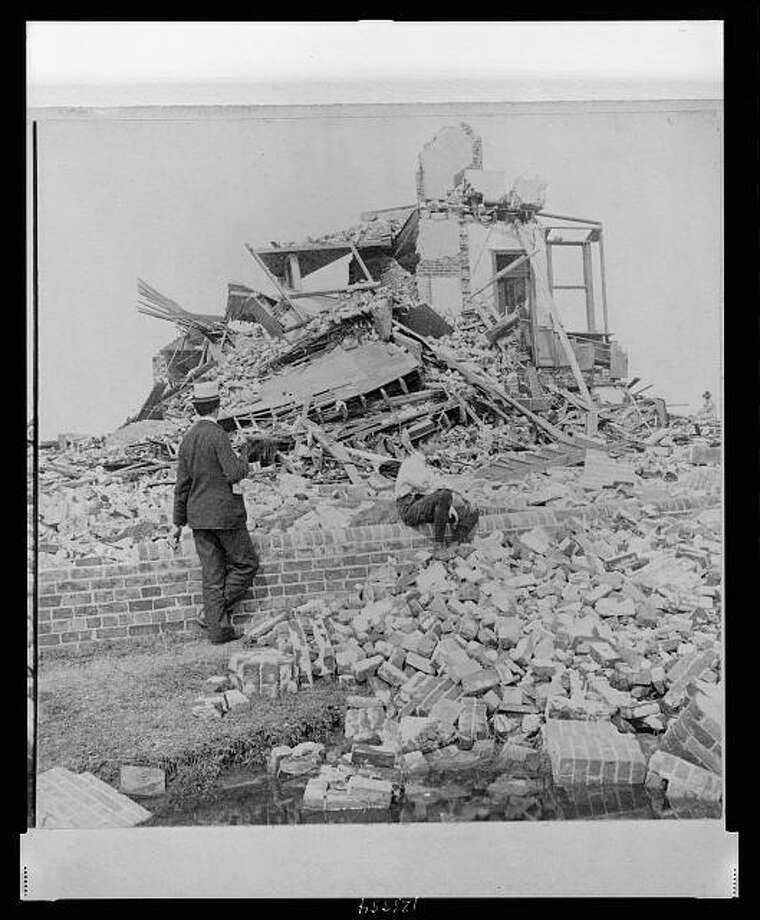 September 1900: Fifty-one were killed at Lucas Terrace during the 1900 Galveston hurricane. Photo: U.S. Library Of Congress